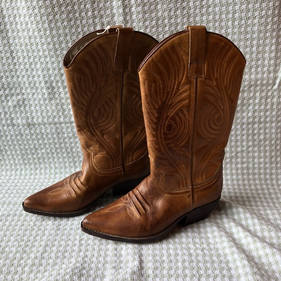 e0abae11c15 Guess by Georges Marciano cowboy boots size 6.5